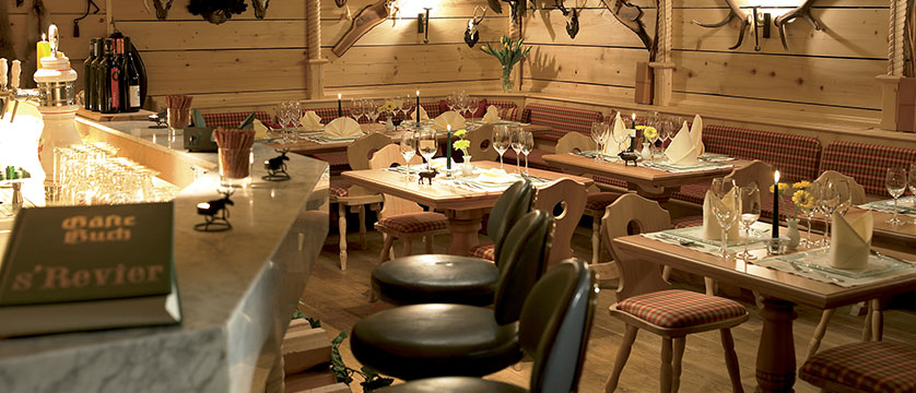 Chalet Hotel Elisabeth, Lech, Austria - dining room.jpg